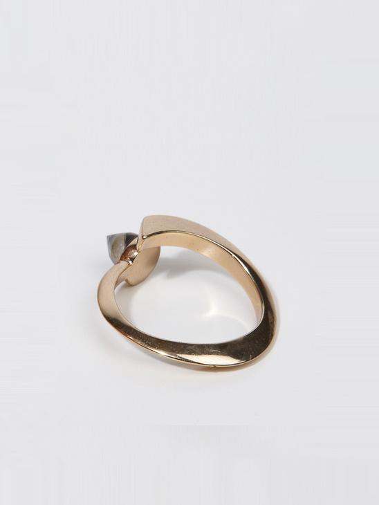 Charmed Labradorite Ellip Ring