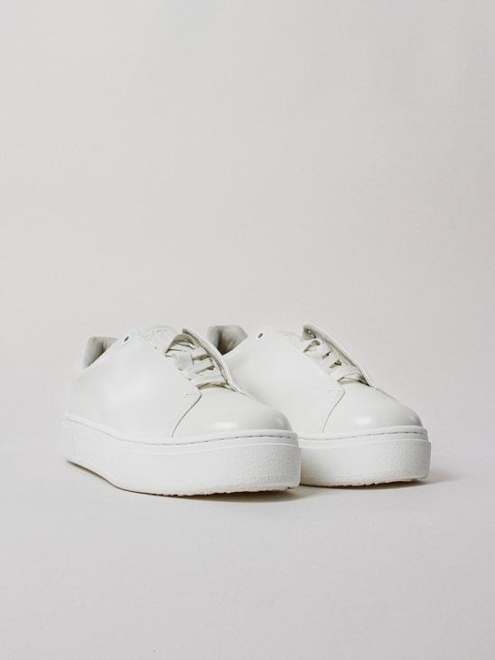 Doja Leather White M