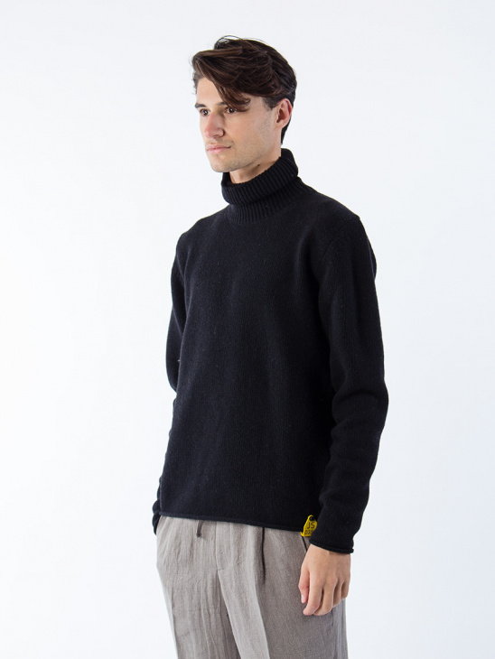 Öland Turtle Neck Black
