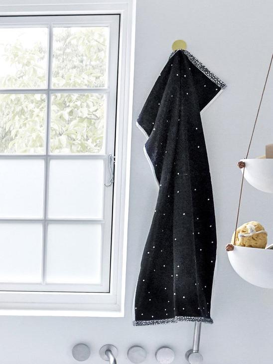 Dotty Towel Small 50x100cm